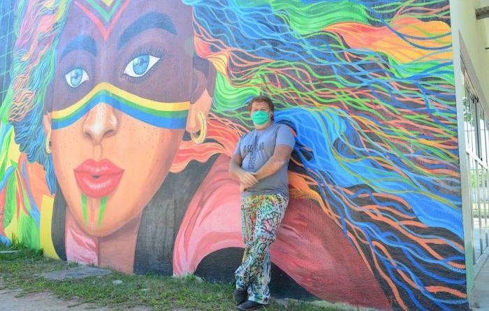 Artista plástico de Queimados produz grafites nos muros da cidade