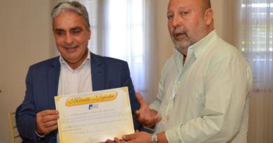Presidente da Alerj recebe homenagem da CDL-NI