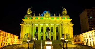 Alerj ganha iluminação especial pelo Dia da Independência do Brasil