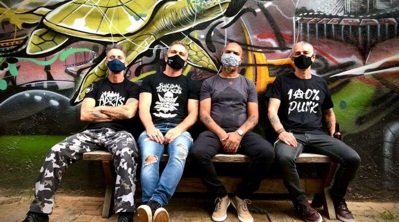 Entrevista com a banda Inocentes e Marcelo Gasperini